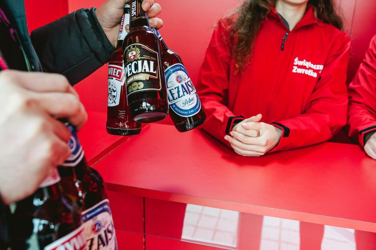 Marka Żywiec Przyjmuje Butelki Zwrotne Bez Paragonu