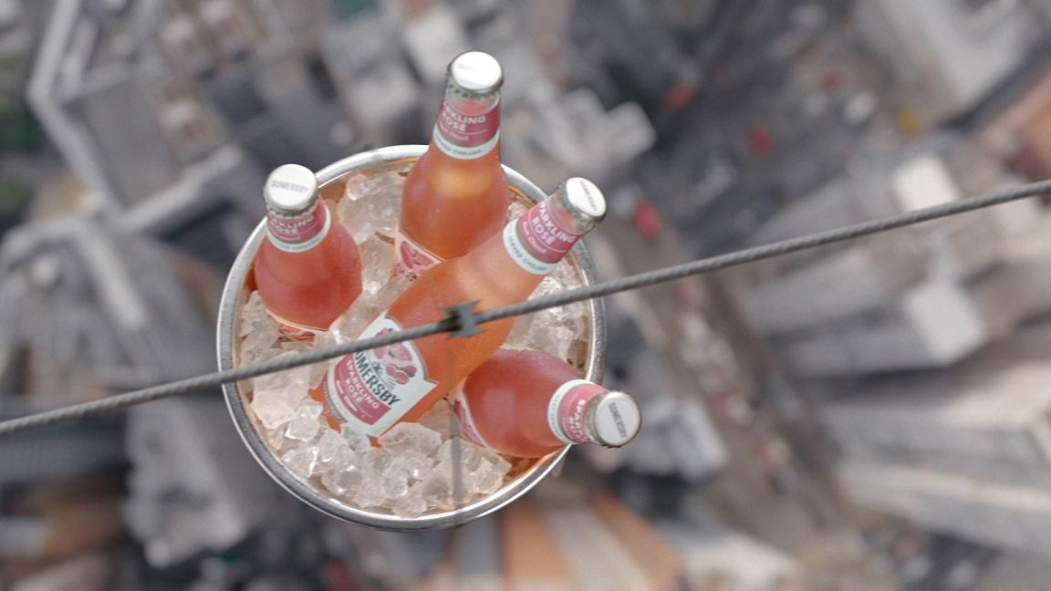 Marka Somersby Rozpoczęła Kampanię Reklamową Wariantu Sparkling Rosé