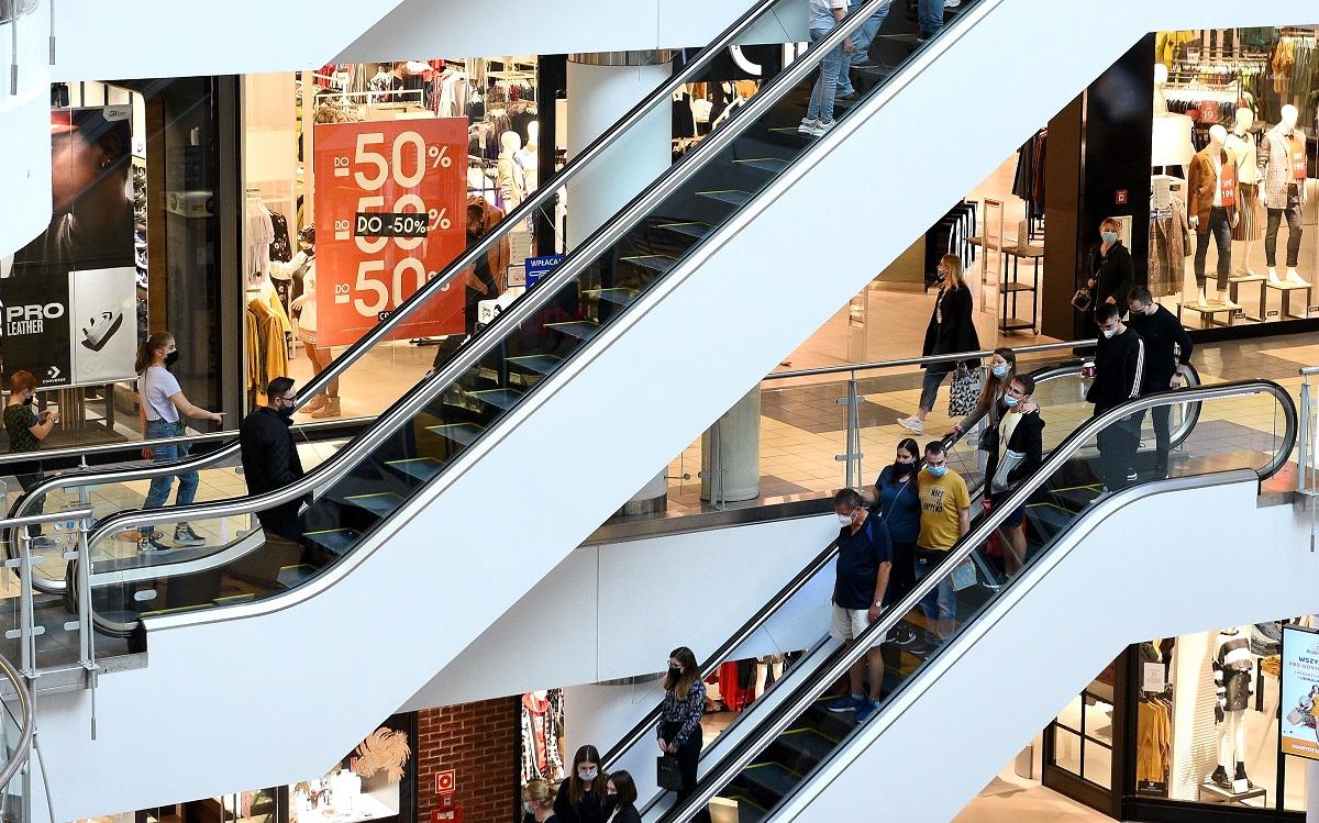 BADANIE: Galerie Mocno Straciły Przed świętami. Liczba Wizyt I Klientów Na 60% Minusie